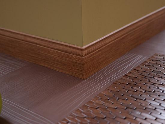 Gạch len giả gỗ ốp chân tường