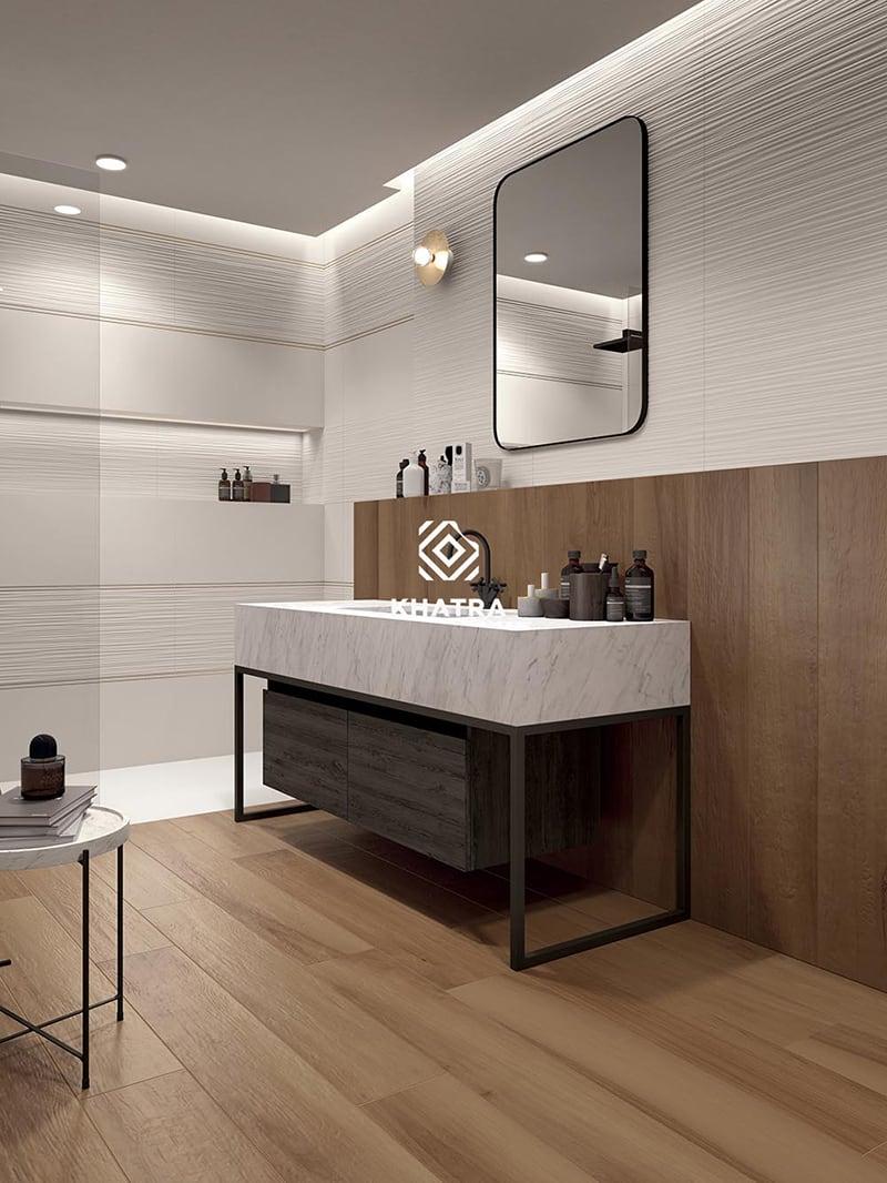 Gạch gỗ ốp chân tường nhà tắm