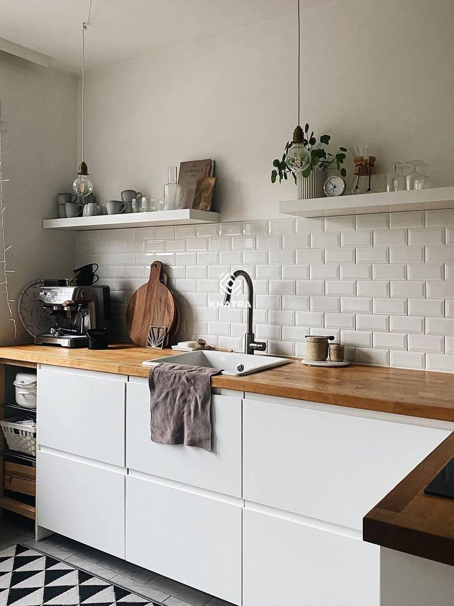 Gạch thẻ vát cạnh màu trắng ốp tường