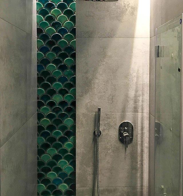 Gạch vảy cá ốp tường phòng tắm