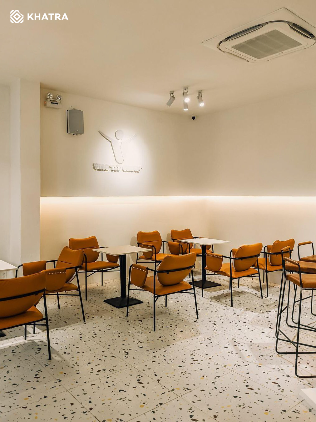 Hình thực tế gạch Terrazzo D6632 lát nền quán cafe (2)
