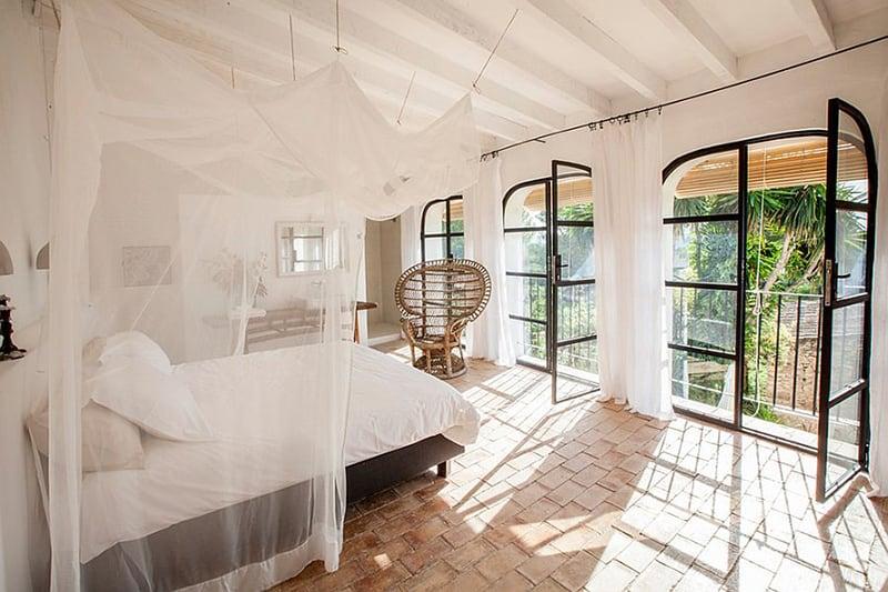 Ứng dụng gạch đỏ lát nền phòng ngủ