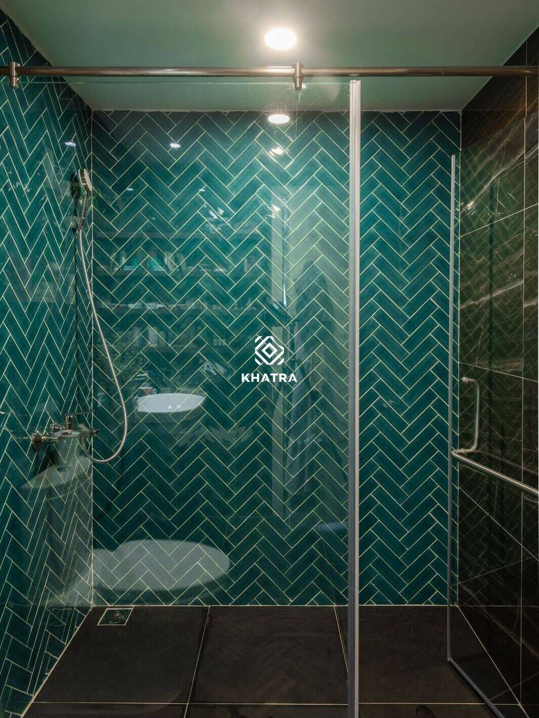 Gạch thẻ men rạn 60x200 ốp tường nhà tắm