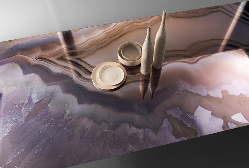 Bề mặt Marble trên nền gạch khổ lớn