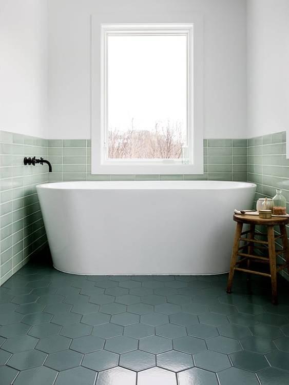 Phối gạch lục giác và gạch thẻ ốp nhà tắm