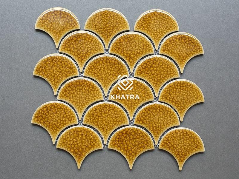 Gạch vảy cá men rạn Gold