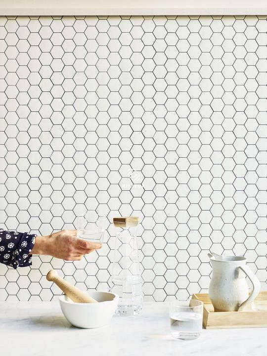 Gạch Mosaic lục giác KHA-10L1005 ốp bếp