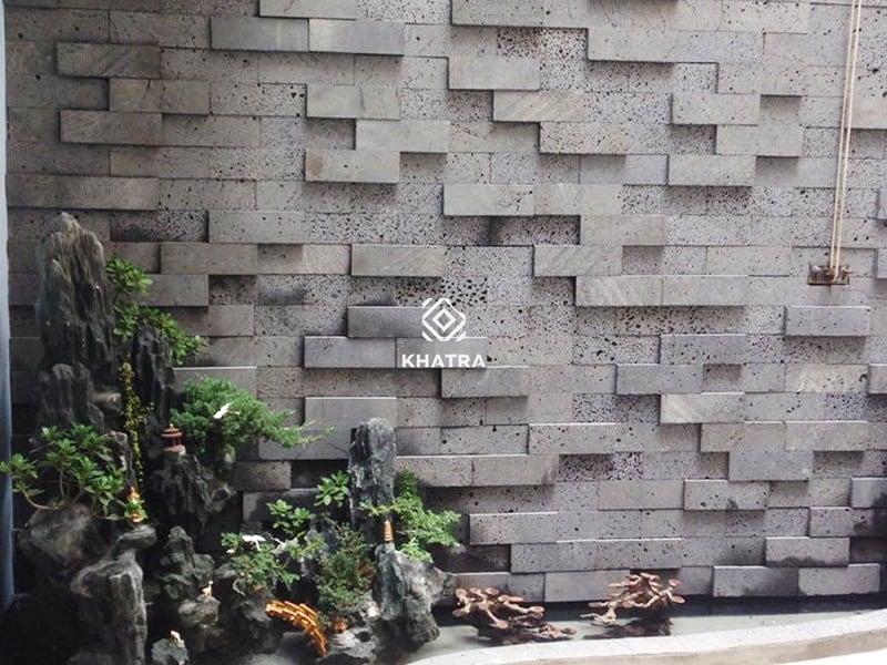 Gạch đá ong ốp tường giếng trời