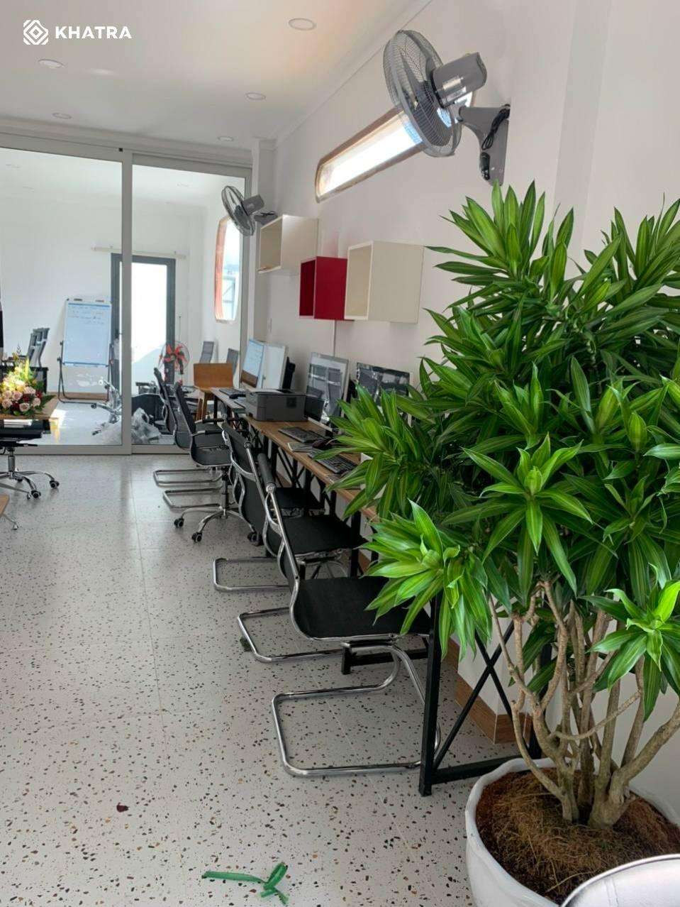 D6637 lát nền văn phòng Prudential