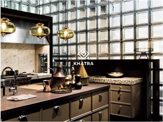 Glass Block ốp tường bếp