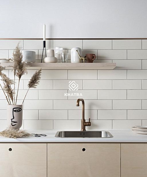 Gạch thẻ trắng 75x300 ốp tường