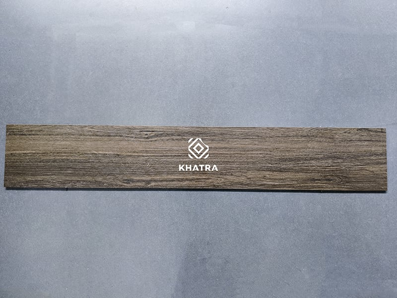 Gạch gỗ nâu đậm KHA-7508