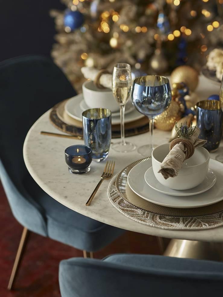 Trang trí bàn ăn Giáng sinh kiểu Art Nouveau