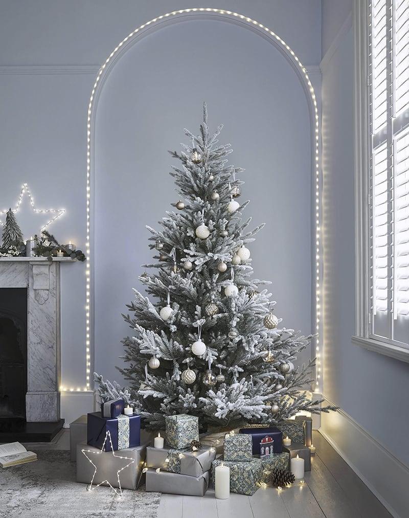 Chọn đồ trang trí Noel
