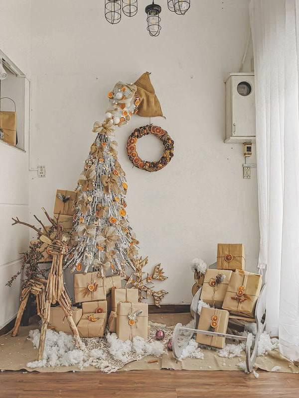 Trang trí góc Giáng sinh cho quán cafe