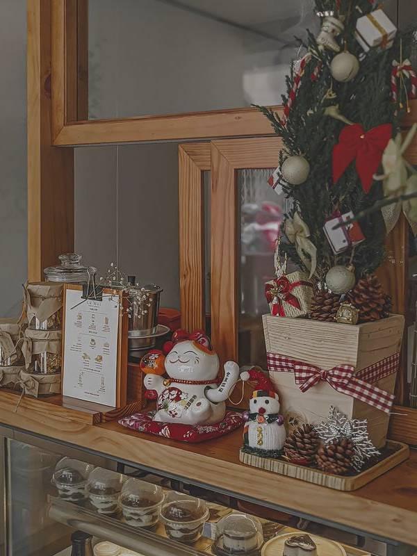 Cách trang trí Noel cho quán cafe nhỏ