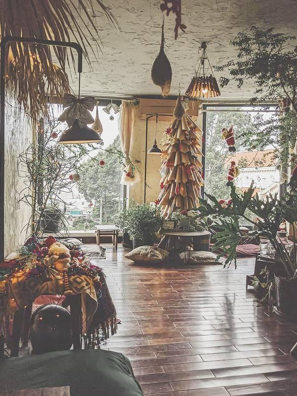 Trang trí Noel cho quán Cafe kiểu Farm House