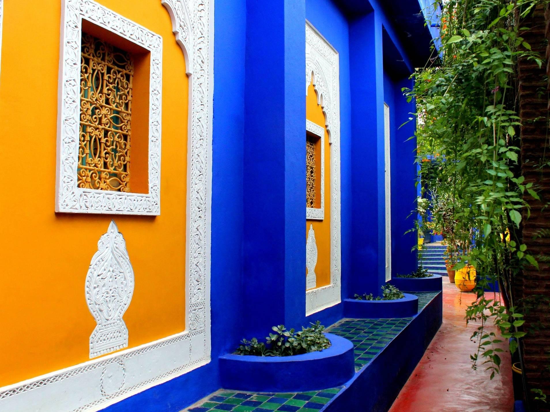 Marrakesh Blue được sửu dụng xuyên suốt khu vườn