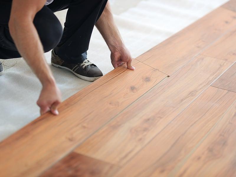 Cách lát nền gạch giả gỗ