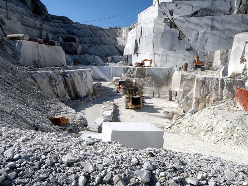 Khai thác đá Marble trong tự nhiên