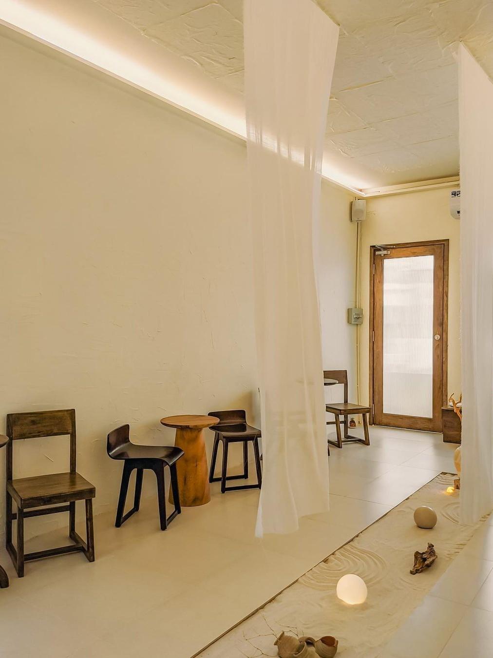Gia Room Cafe