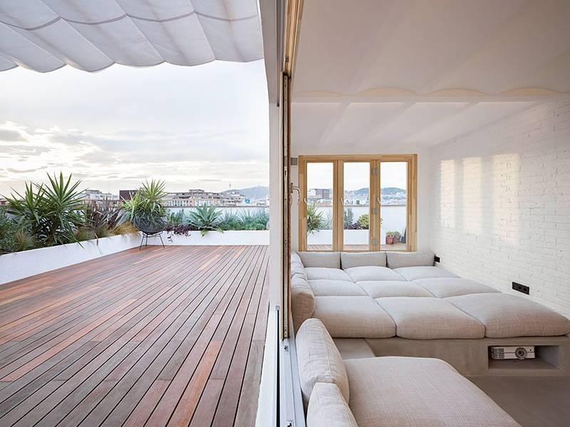 Thiết kế căn hộ 2PN có ban công kết nối thiên nhiên