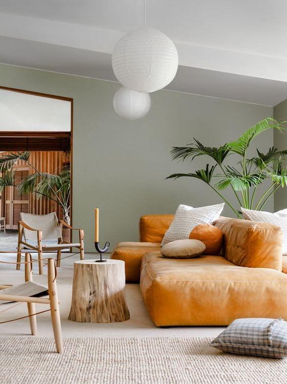 Thiết kế phòng khách với nội thất màu nổi bậc