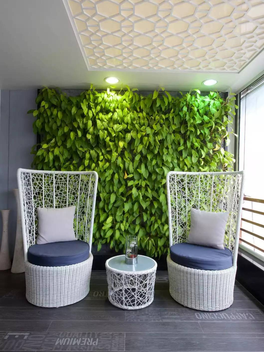 Thiết kế ban công căn hộ với vườn treo
